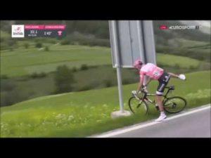 Ciclista cagando en directo