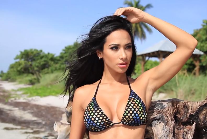 Videos de modelos latinas - Andrea Mendes