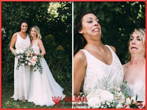 Dos bellas mujeres en una boda poniendo caras muy raras