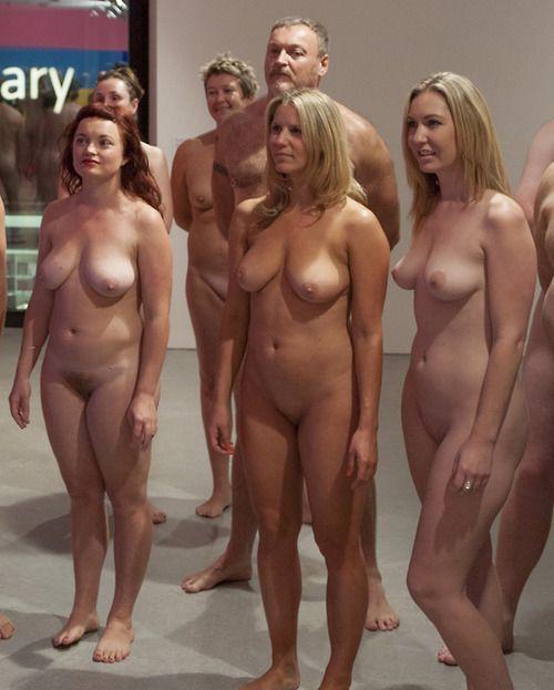 El primer museo con visitas nudistas de Francia abre sus puertas en París