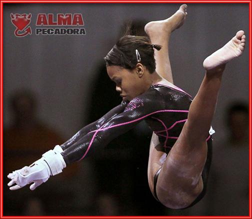 Las gimnastas son seres de otro planeta . Yo no puedo ni atarme los cordones de las zapatillas