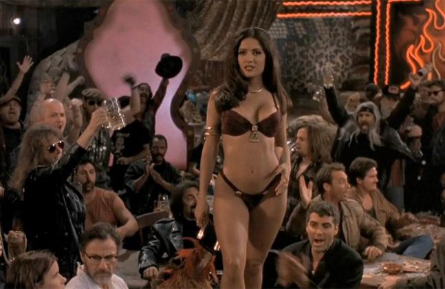 Salma Hayek bailando sexy y sensual en la película Abierto hasta el Amanecer