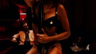 Video muy caliente de Penélope Cruz haciendo un Striptease