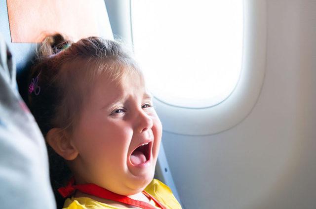 Una alerta al reservar vuelos evita que te sientes al lado de niños pequeños
