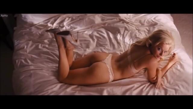 Margot Robbie en tanga enseñando su culo