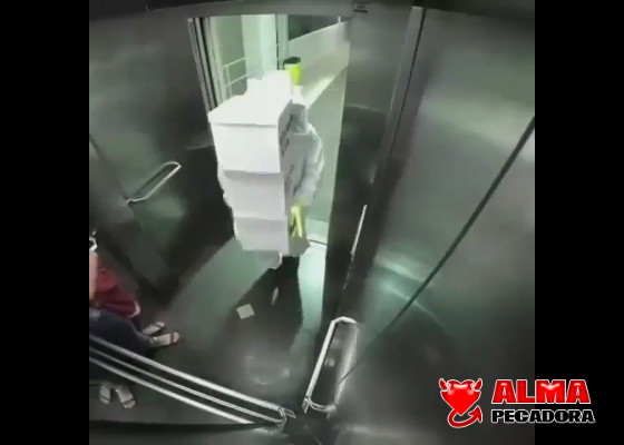 Video con la mejor broma en un ascensor